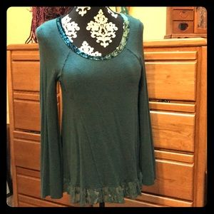 Knox Rose Long-sleeved top- lace & velvet details!